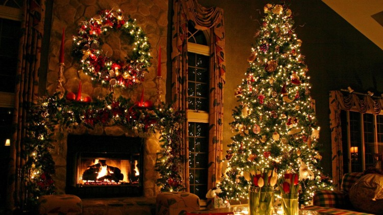 christmas_tree_ornaments_fireplace_christmas_decorations_flowers_home_holiday_comfort_59840_3840x2160