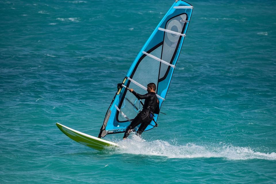 windsurfing-3264136_960_720